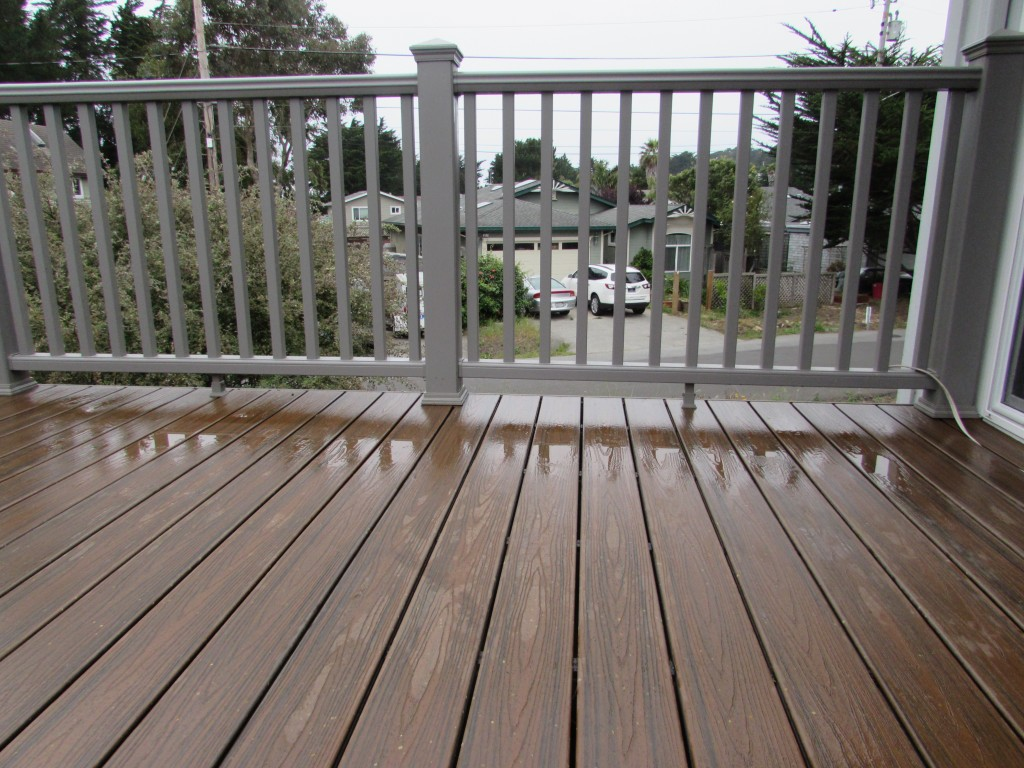 Trex decking trex transcends composite decking trex for Composite deck railing